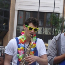 C3M - Saxophoniste à la Brass de Pneu