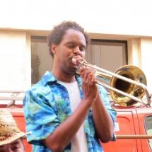 Fiente - Tromboniste à la Brass de Pneu