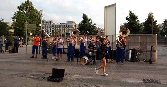 La Brass de Pneu, Concert Fanfare Paris les Halles