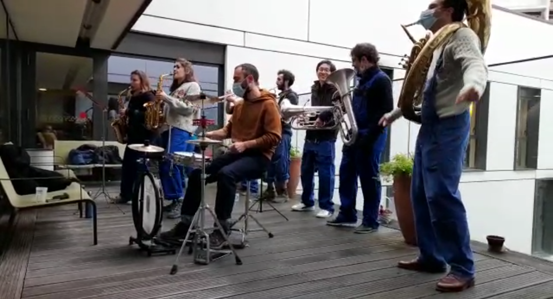 La Brass de Pneu, Fanfare Paris, à l'EHPAD Annie Girardot